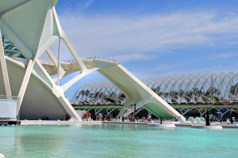 Valencia moderner stadtteil von architekt calatrava for Architektur valencia